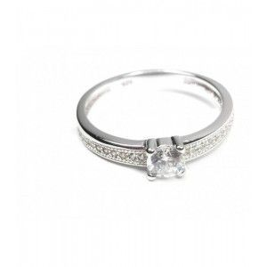 anillo de plata y circonitas en www.puravidapulseras.com