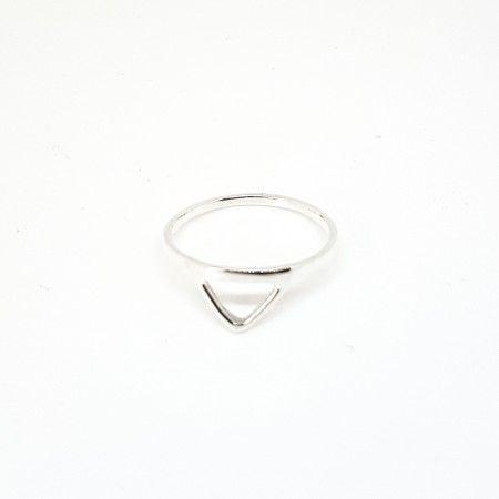 anillo triangular plata de www.puravidapulseras.com