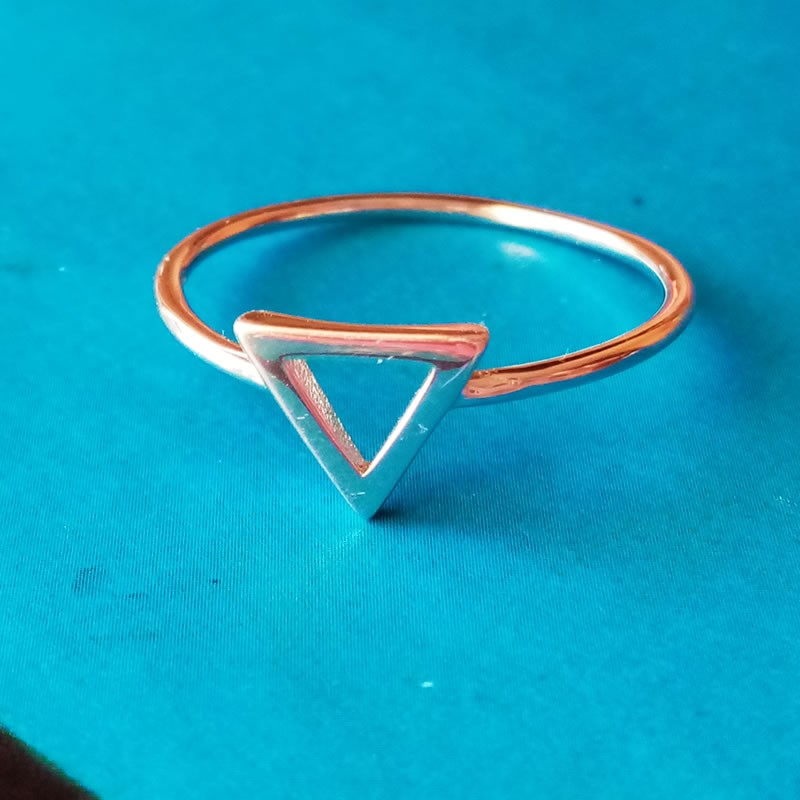 Anillo triangular plata