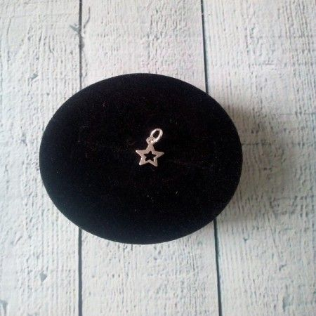 Colgante estrella mini de plata de ley de www.puravidapulseras.com