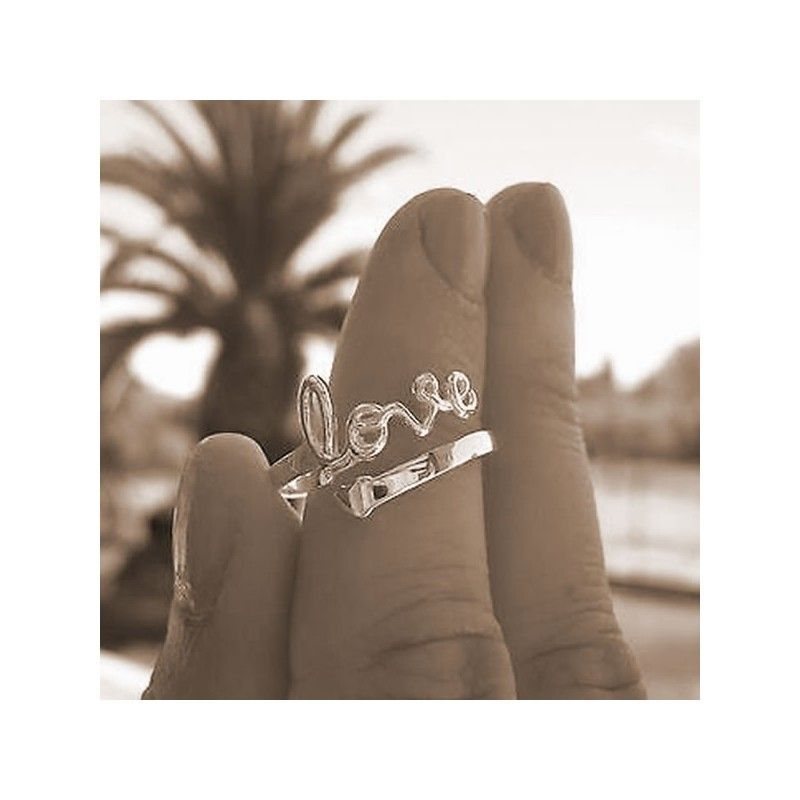 Anillo love ajustable