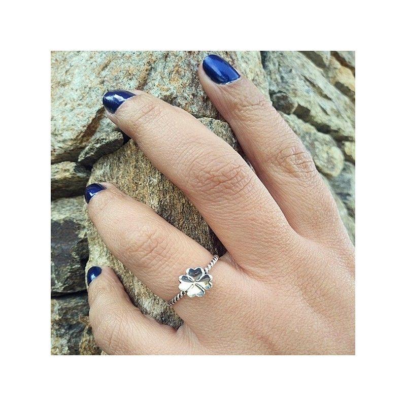 anillo trebol de cuatro hojas de plata de ley de www.puravidapulseras.com